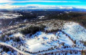 Flygfoto över Björnrun och Jet Sleddogs i Ansättfjällen. Foto © Jet Sleddogs.