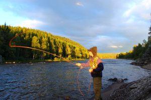 Sportfiske i Hotagsbygden. Foto © Mikael Nyberg.